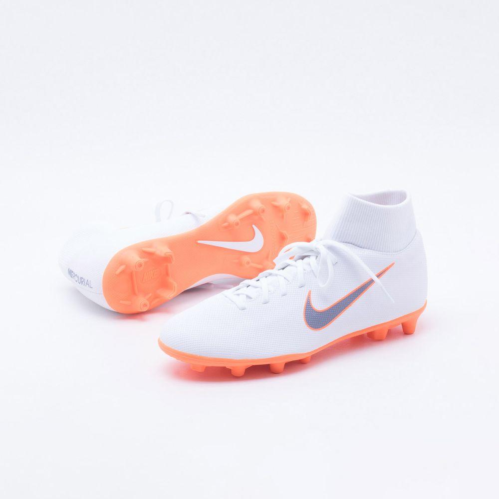 80eb85e6b Chuteira Campo Nike Mercurial Superfly 6 Club FG Branco e Laranja ...