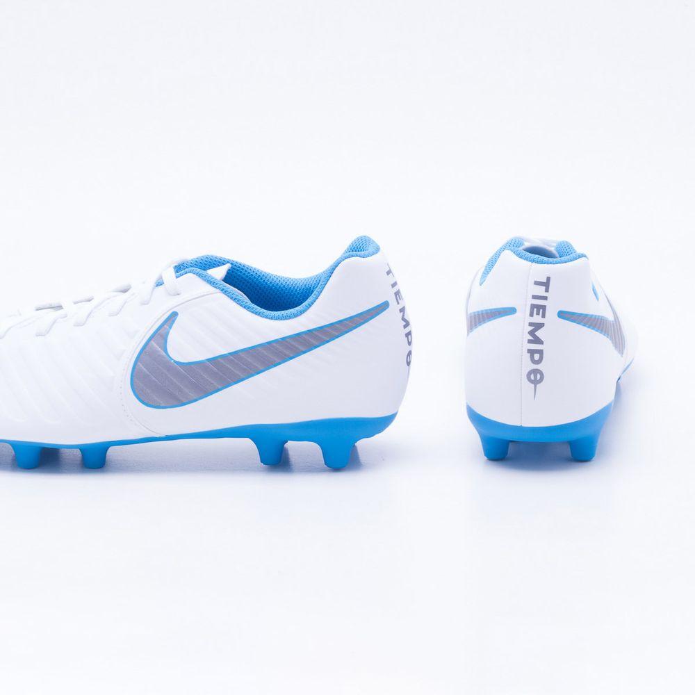 Chuteira Campo Nike Tiempo Legend 7 Club FG Branco e Azul - Gaston ... 2b758a19cc7ce
