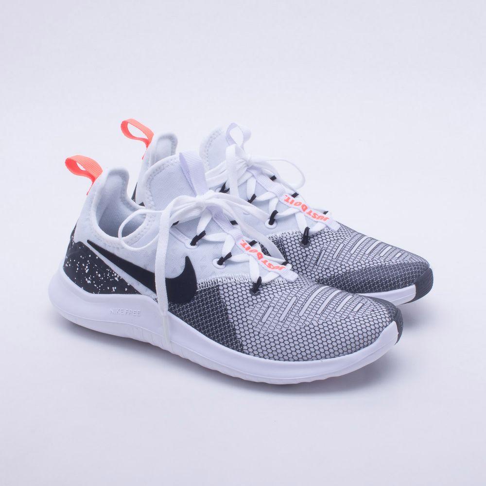 Tênis Nike Free TR 8 Feminino Preto e Branco - Gaston - Paqueta Esportes 9419a7464a532