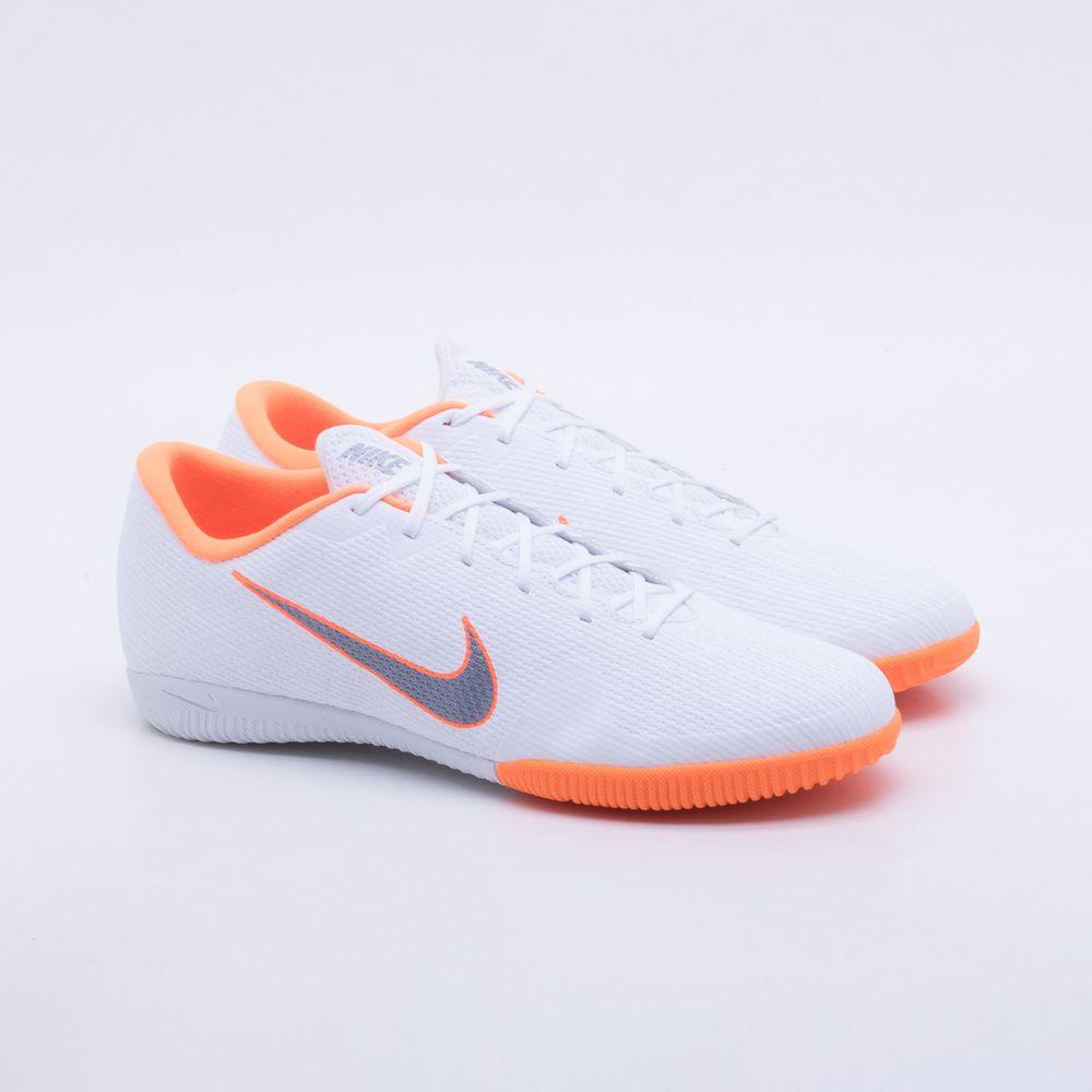 Chuteira Futsal Nike Mercurial VaporX 12 Academy IC Branco e Laranja -  Gaston - Paqueta Esportes 7eafe84372448