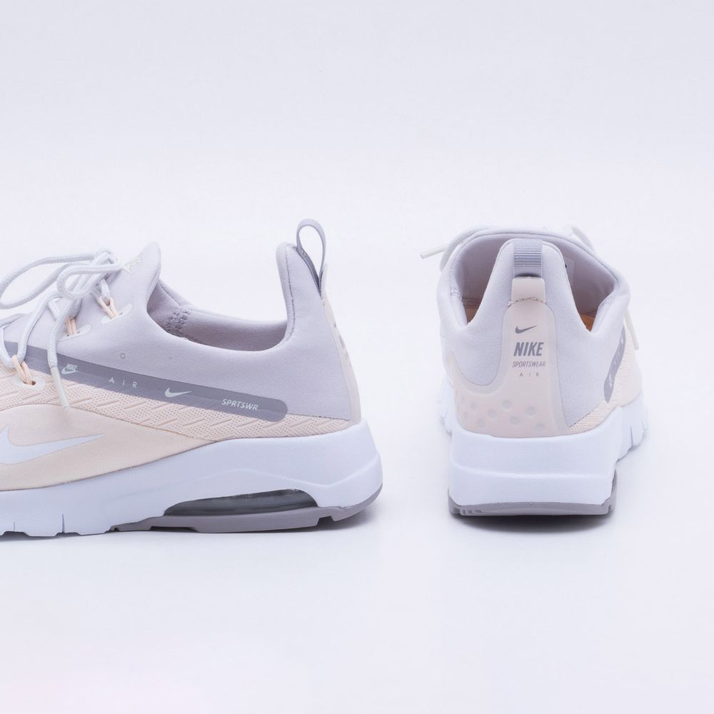 b268e40f390c4 Tênis Nike Air Max Motion 2 Feminino Bege e Cinza - Gaston - Gaston