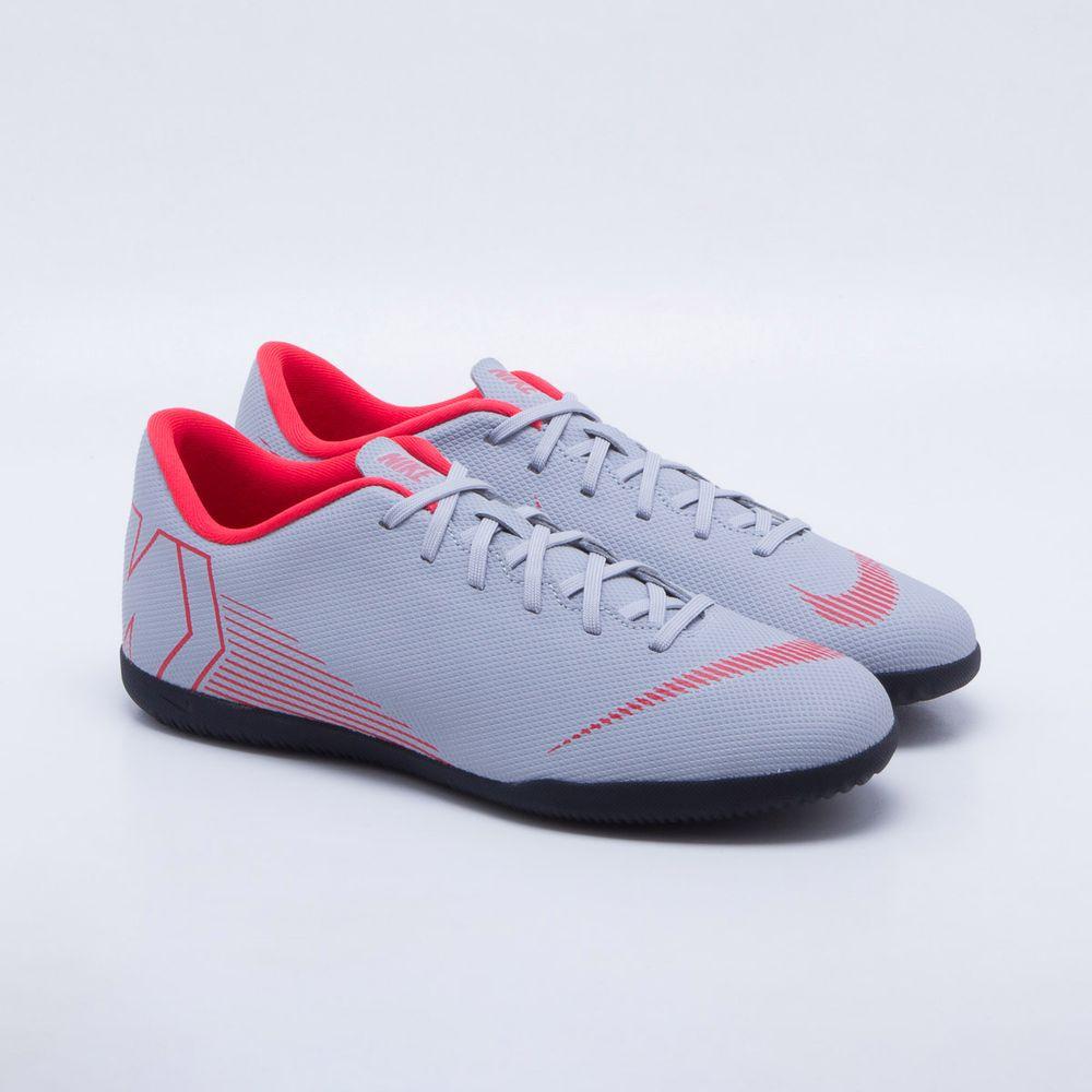 78f9066939 Chuteira Futsal Nike MercurialX Vapor 12 Club IC Cinza e Vermelho ...