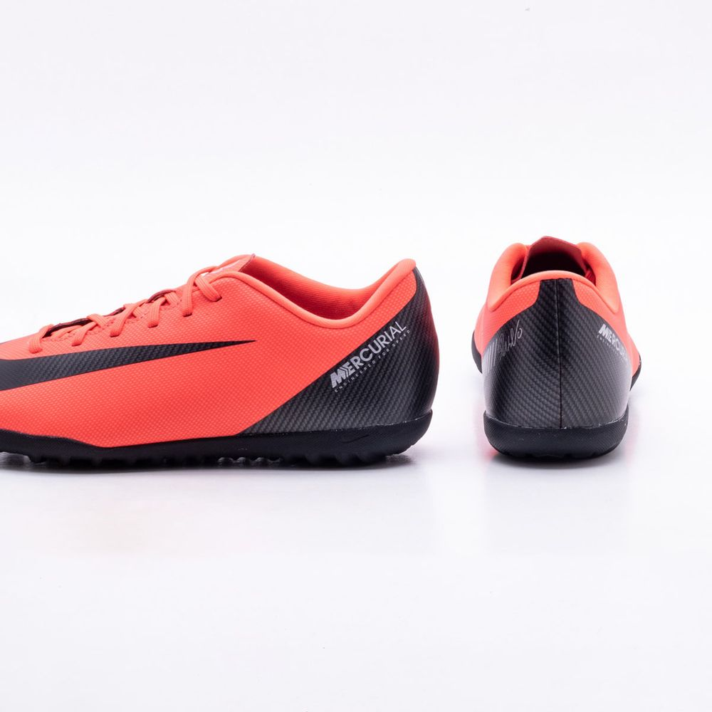 Chuteira Society Nike MercurialX CR7 Vapor 12 Club TF Coral - Gaston ... 492c3bb736ec1