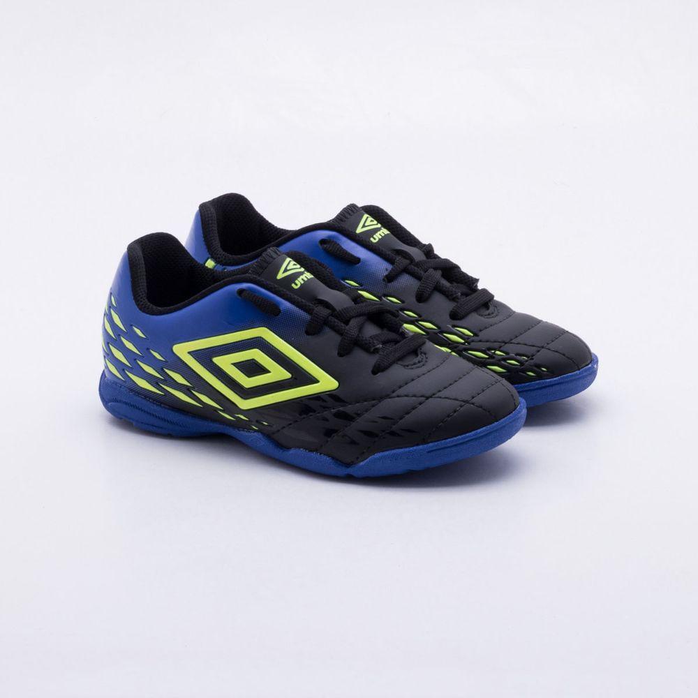 3db35f51a2 Chuteira Futsal Umbro Fifty II Indoor Infantil Preto e Azul - Gaston ...