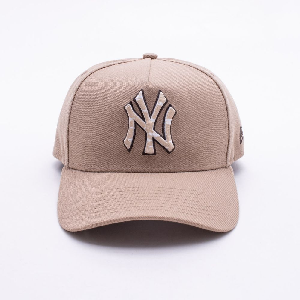 7ca09c3a53 Boné New Era 940 New York Yankees MLB Bege Bege - Gaston - Paqueta ...