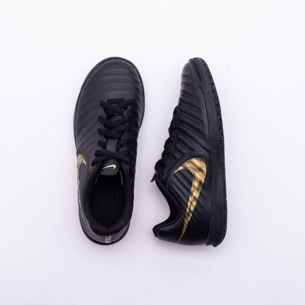 eb4111ffa Chuteira Futsal Nike Tiempo Legend 7 Club Infantil Preto e Dourado ...