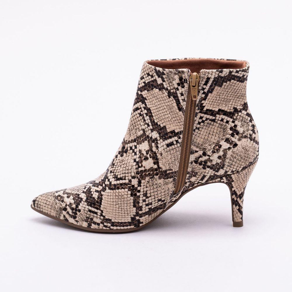 457e2008b8 Ankle Boot Bebecê Snake Bege Bege - Gaston - Paqueta Calçados