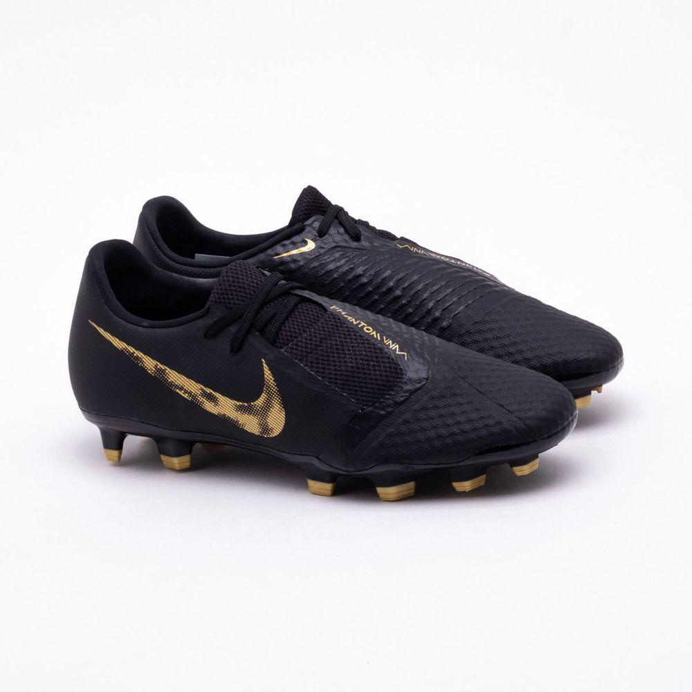 52d785e987 Chuteira Campo Nike Phantom Venom Academy FG Preto e Dourado ...